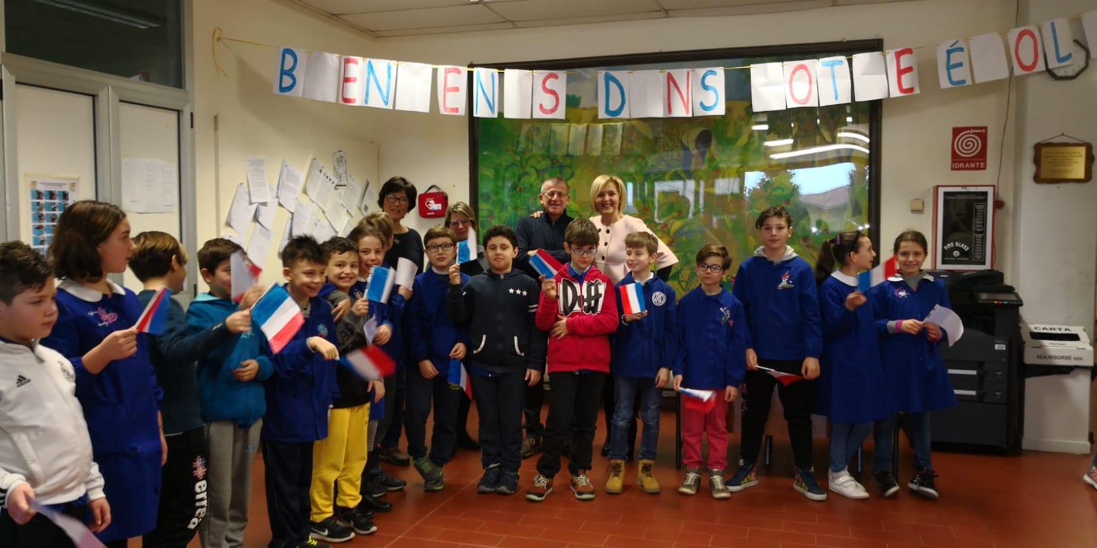 Gemellaggio Camaiore - Carpentras: i bimbi francesi di quarta e quinta elementare in visita alla città