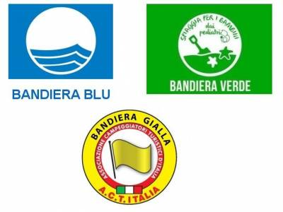 The awards to our territory: blue, green and yellow flags