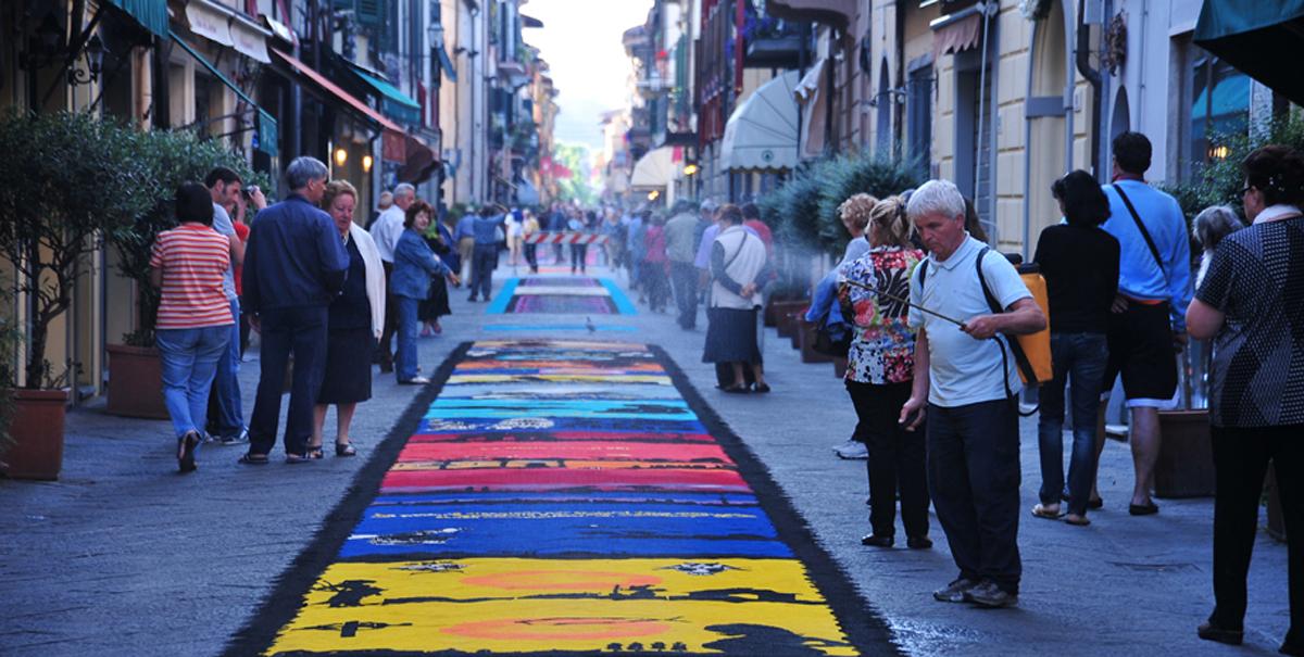 Tornano i tappeti di segatura: la magica notte dell'effimero il 22 e 23 giugno