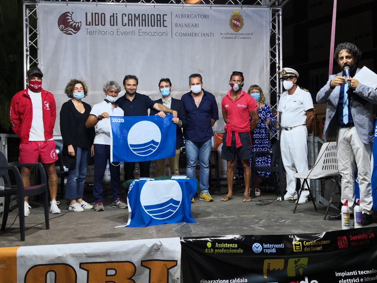 Consegnata la Bandiera Blu 2020 ai presidenti delle categorie economiche di Lido di Camaiore