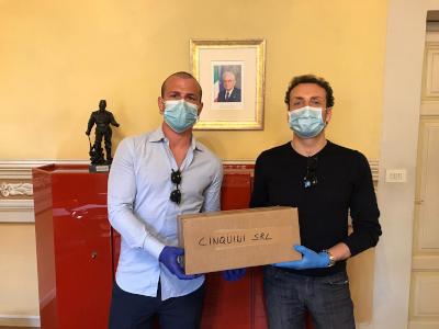 Donazione di mascherine da parte di Cinquini Srl al Comune di Camaiore